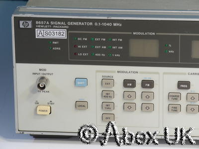 HP (Agilent) 8657A AM/FM Signal Generator 0.1-1040MHz Option 001 High Stab (2)