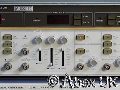 HP (Agilent) 8684B Signal Generator 5.4 - 12.5GHz Vintage 10.368GHz